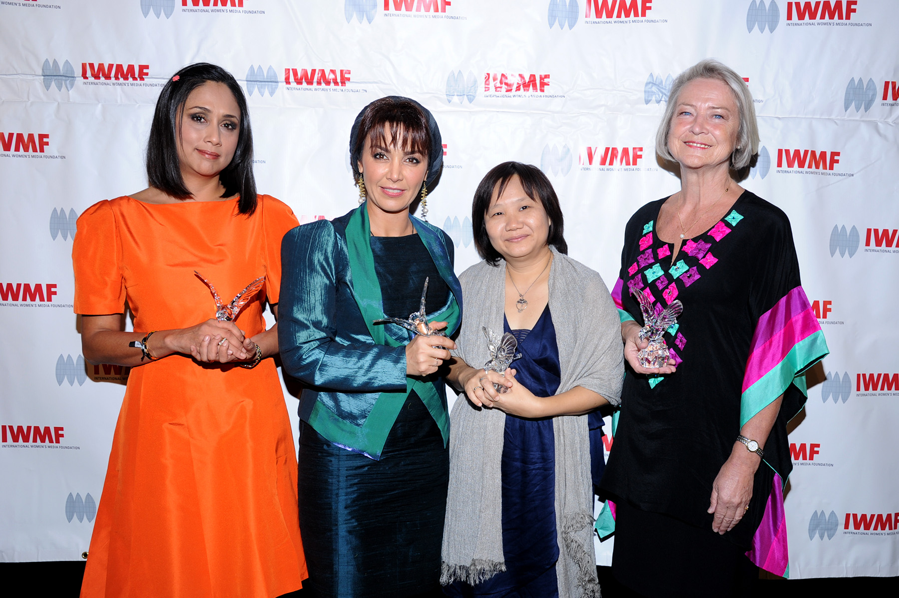Female journalists honored for exemplifying courage in news reporting