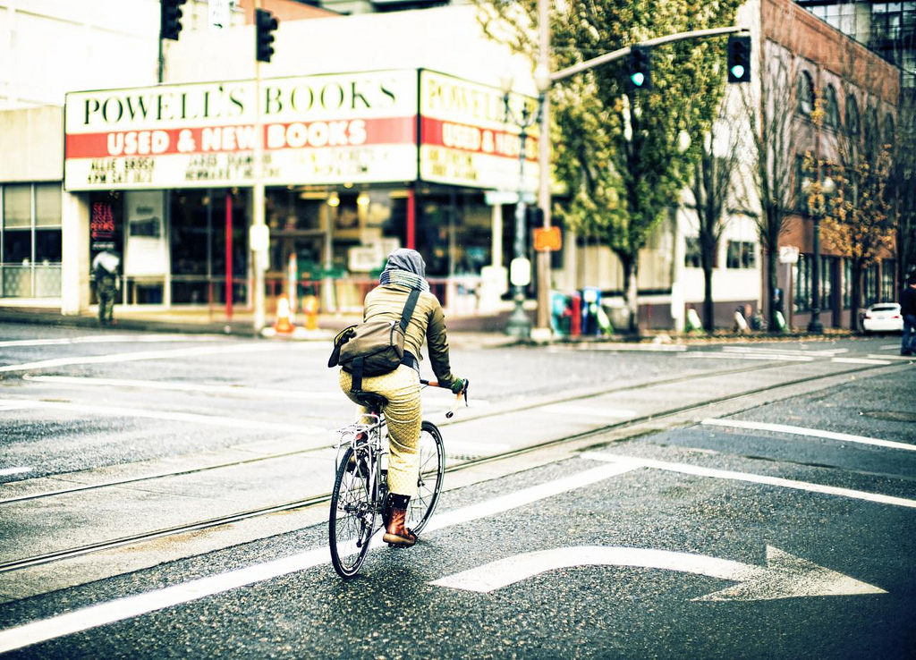 Knight study tour explores walkable, bikeable Portland, Ore.