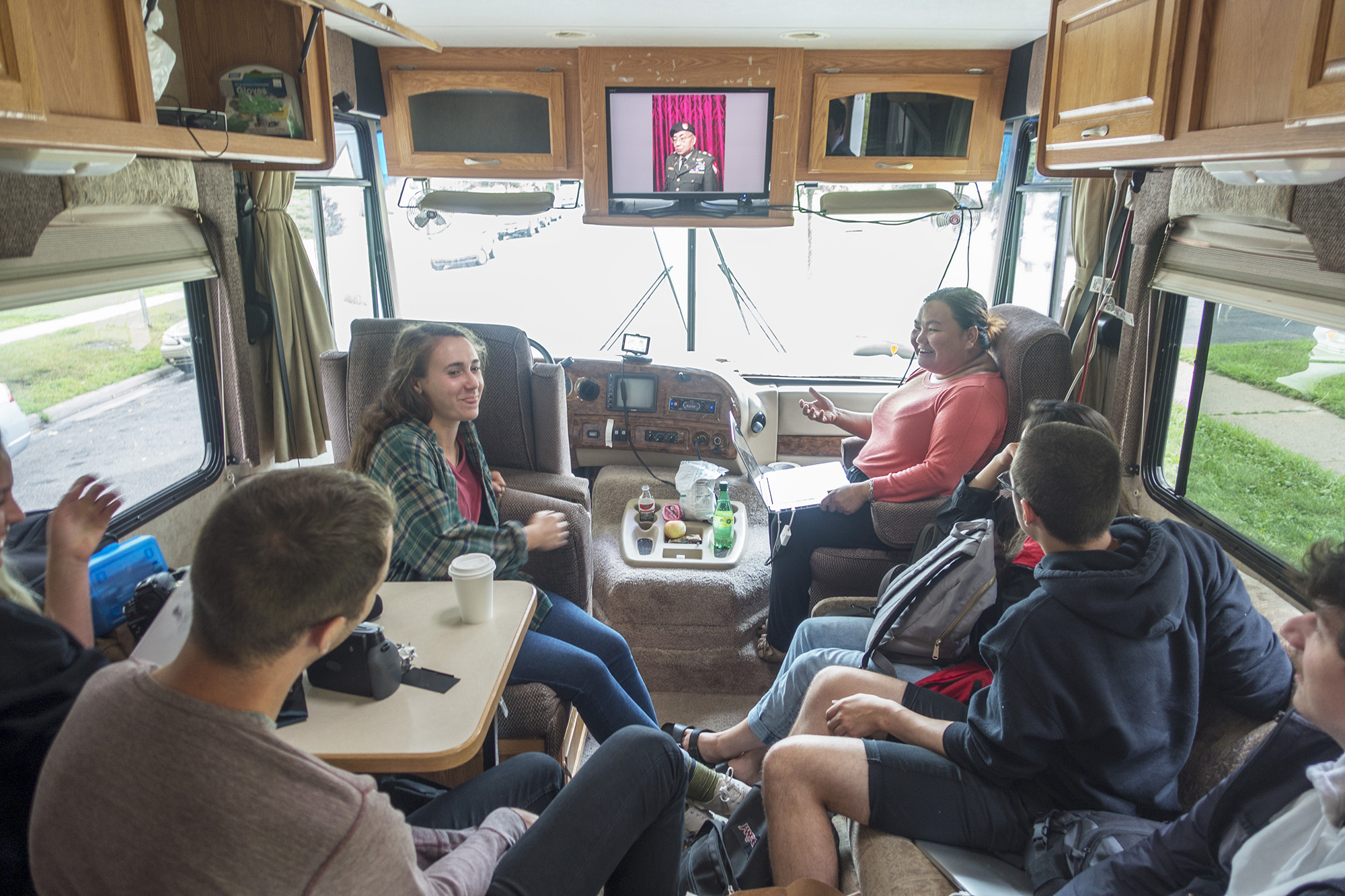 Winnebago Workshop puts young artists on the road to discovery