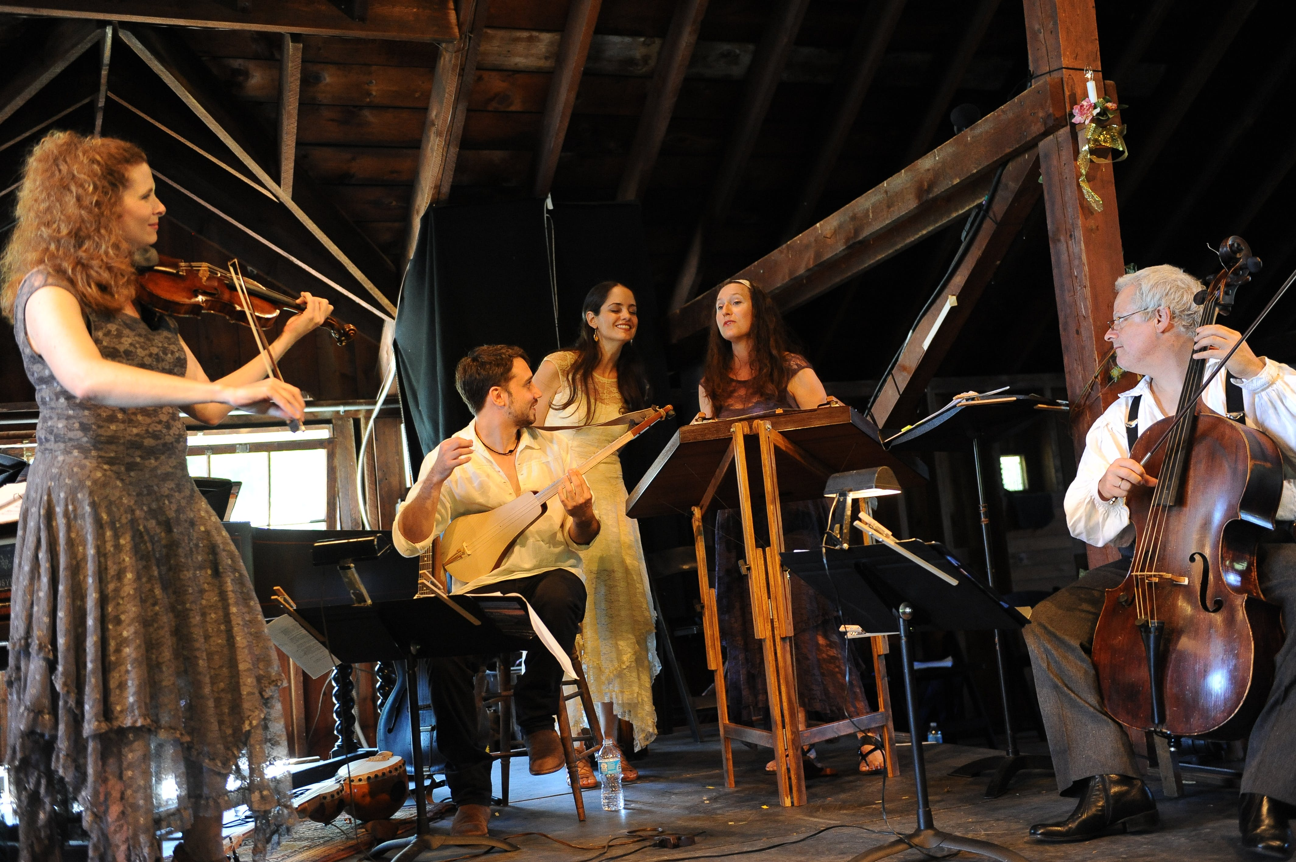 <p><em>Photo courtesy of Apollo&rsquo;s Fire Baroque Orchestra. Photo by Debra-Lynn Hook. </em></p>