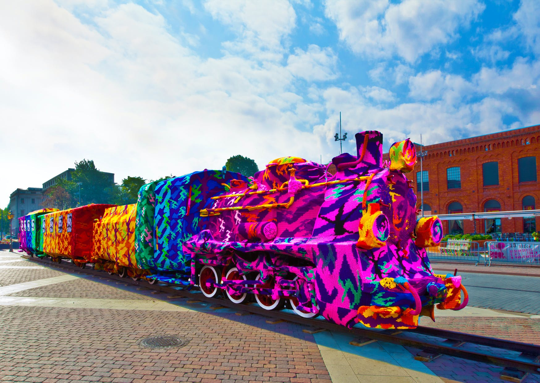 <p>Cindy Michael/Harps and Thistles wants commemorate Sojourner Truth&rsquo;s Akron speech &ldquo;Ain&rsquo;t I A Woman?&rdquo; in a large-scale, public crochet installation as part of a national project by Polish-American artist Olek. Photo Credit: Olek.&nbsp;</p><p><br></p>