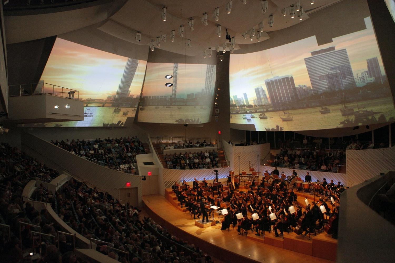 <p><em><em><em>A performance of Britten's Four Sea Symphonies at New World Symphony with world premiere video by Tal Rosner. Photograph by Rui Dias-Aidos.</em></em></em></p>