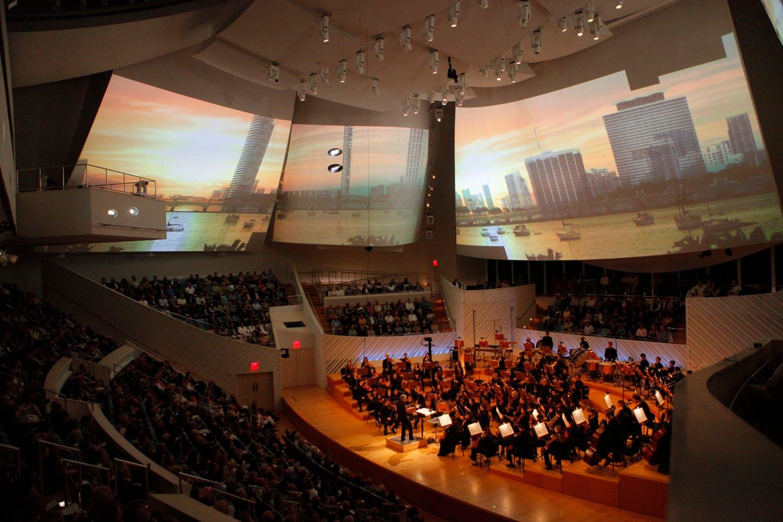 <p><em><em><em>A performance of Britten&#39;s Four Sea Symphonies at New World Symphony with world premiere video by Tal Rosner. Photograph by Rui Dias-Aidos.</em>&nbsp;</em></em></p>